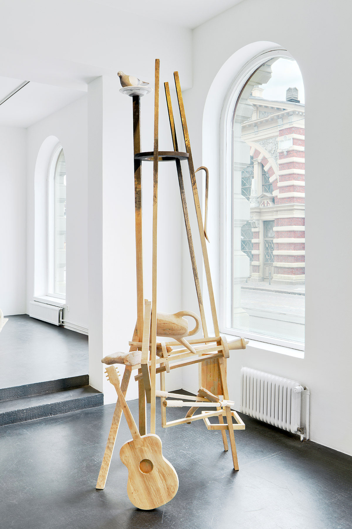 Galleria-Sculptor-Anneli-Sipilainen-ja-Liisa-Hilasvuori-Duo-4-©-Titus-Verhe